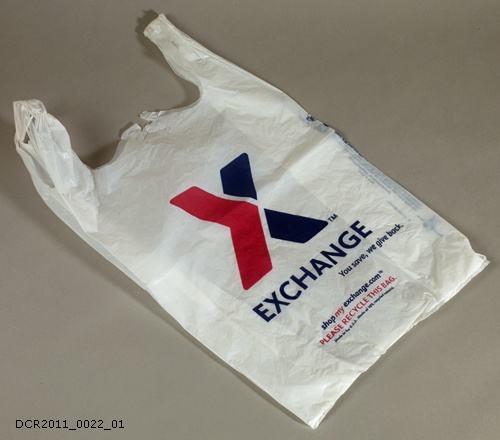 Tragetasche, Exchange You save, we give back (dc-r docu center ramstein CC BY-NC-SA)