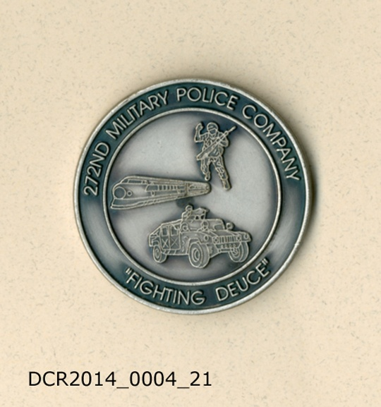 "Gedenkmünze, Challenging Coin, 272nd Military Police Company, Fighting Deuce (""dc-r"" docu center ramstein CC BY-NC-SA)"